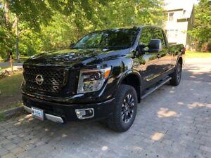 2016 Nissan Titan PRO-4X Pickup Truck