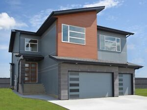 AMAZING Immediate Possession Luxury Showhome in Royal Oaks!