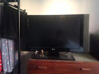 """FLAT SCREEN LG TV 31"""" screen"""
