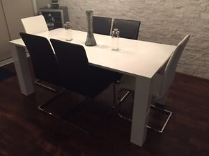 MOBILIER DE SALLE A MANGER STRUCTUBE - NEW WHITE TABLE & CHAIRS