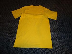 Boys Size 12/14 ***Nike*** Yellow T-Shirt Kingston Kingston Area image 2