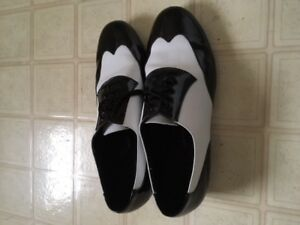 Ballroom dance shoes size 12 brand name (very fine )