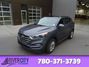 2017 Hyundai Tucson AWD SE Leather,  Heated Seats,  Panoramic Ro