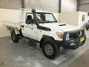 2012 Toyota Landcruiser VDJ79R 09 Upgrade Workmate (4x4) White 5 Speed Manual Cab Chassis Gateshead Lake Macquarie Area Preview