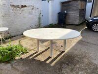 Oval white Garden Table