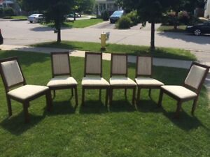 6 Dining Room Chairs - Good Condition