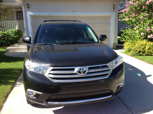 2011 Toyota Highlander SUV, Crossover. Includes GST!!!