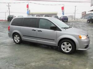 2013 Dodge Grand Caravan SXT 2 yr unlimited kms warranty incl