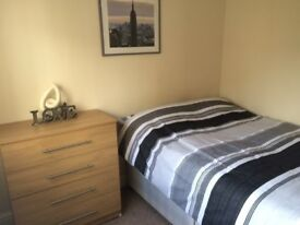 *Brand New* Large Double Room! Just £450 Pm