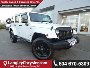 2015 Jeep Wrangler Unlimited Sahara *LOW KMS*LOCALLY OWNED*DE...