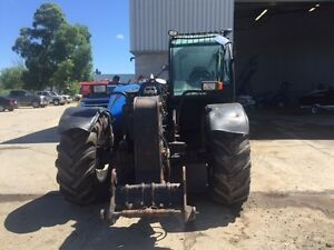 2010 New Holland LM5080 Telescopic Forklift London Ontario image 2