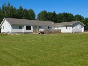 Beautiful acreage with 4 bedroom Bungalow and Garage - Edson, AB