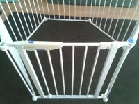 Lindam safe and secure play pen