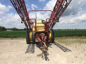 2005 Hardi Commander Plus 1200 Pull Type Sprayer London Ontario image 2