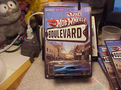 Hot Wheels Boulevard '70 Ford Torino with Real Riders