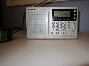 Grundig  YB-400 PE Shortwave Receiver with power pack