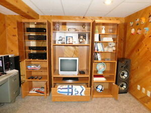Excellent Theatre Entertainment Centre & Book Shelf for Sale!!!