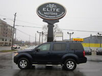 2008 Nissan Pathfinder AWD ! DVD ! towing hitch ! running boards