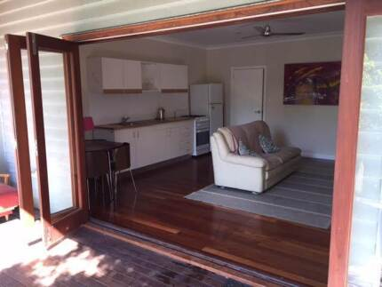 West End Studio apartment - $450/week, bills and internet include West End Brisbane South West Preview