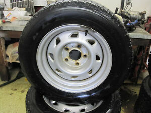 215-65-15 FIRESTONE WINTERFORCE |80%TREAD