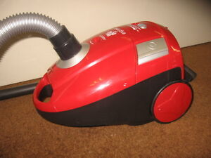 DIRT DEVIL EXPRESS BAGGED CANISTER VACUUM -LIKE NEW
