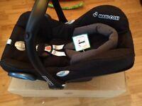 Maxi cosi cabriofix car seat black Raven colour New in box - £75