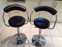KITCHEN BREAKFAST BAR STOOLS IN GOOD CONDITION