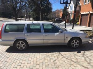 1999 VOLVO WAGON V70 SOLD AS IS $1000 FIRM