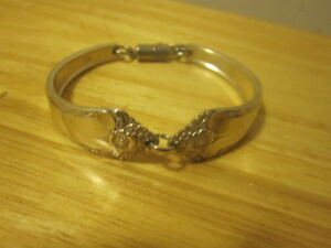 Pretty silver plated spoon bracelet