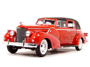 1938-CADILLAC-V16-FLEETWOOD-RED-1-18-DIECAST-MODEL-CAR-BY-SIGNATURE-MODELS-18117