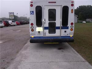 2009 Ford Econoline Commercial Cutaway London Ontario image 8