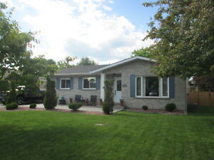 71 Essex Lane- Immaculate Condition