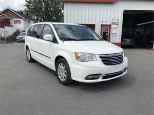 2013 Chrysler Town & Country TOURING NAV TOIT TV-DVD CAMERA STOW