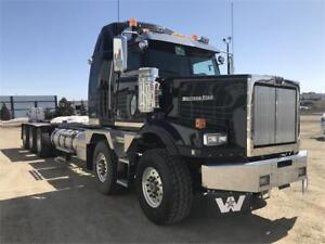 WESTERN STAR 4900ST TWIN STEER TRI DRIVE SLEEPER #GS9567