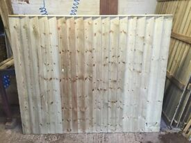 Flat top feather edge fence panels