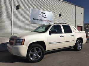 2013 Chevrolet Avalanche LTZ, FULLY LOADED, 4X4, NAVI, DVD