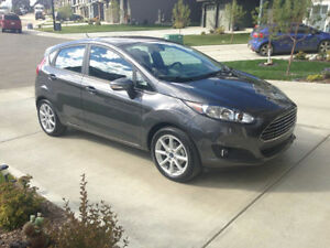 2015 Ford Fiesta SE Hatchback (MINT CONDITION / LOW KM'S)