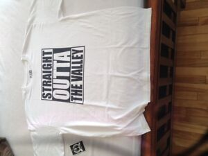 """Custom T-Shirts """"STRAIGHT OUTTA THE VALLEY"""""""