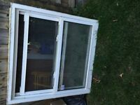 """ 3 windows same like picture in a very good condition"""