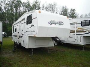 1999 Golden Falcon 28RLG 5th Wheel Trailer with Slideout Stratford Kitchener Area image 1