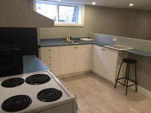 Bachelor Apartment in Hintonburg - $775 all inclusive - June 1st
