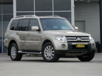 2006 Mitsubishi Pajero NS Exceed LWB (4x4) Beige 5 Speed Auto Sports Mode Wagon Kingswood 2747 Penrith Area Preview