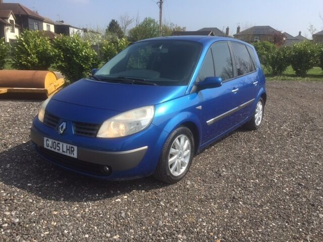 2005 renault scenic dynamique 16v automatic metallic blue 12 months mot in colchester. Black Bedroom Furniture Sets. Home Design Ideas