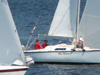 25 foot Hunter Sailboat  for sale in the water
