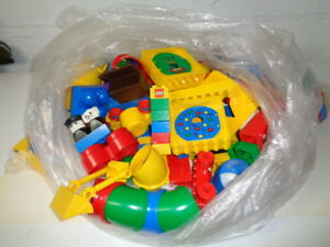 Large quantity of Duplo building blocks