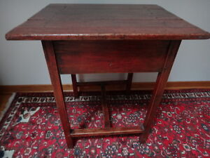 Quebec Pine Side Table c. 1870 West Island Greater Montréal image 6