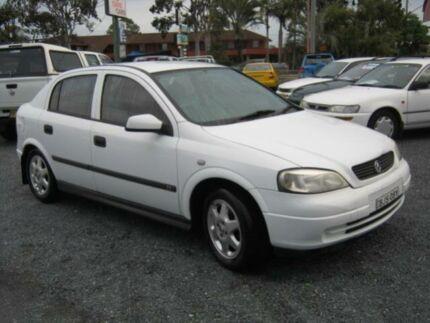 2000 Holden Astra TS 1.8 CD White  Hatchback West Ballina Ballina Area Preview