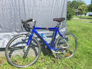 Medalist 6061 Aluminum 21  Speed Road Bike