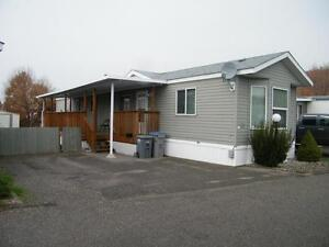 Well Maintained Mobile, Open Concept!