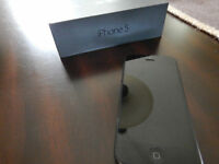 iPhone 5 32gb black in excellent condition